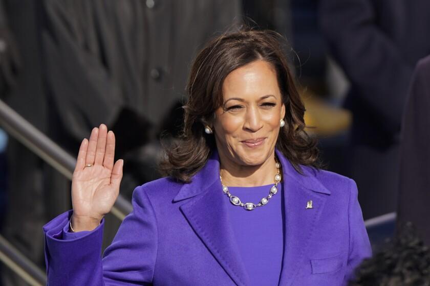 Kamala Harris rinde juramento como vicepresidenta ante la juez de la Corte Suprema e Sonia Sotomayor