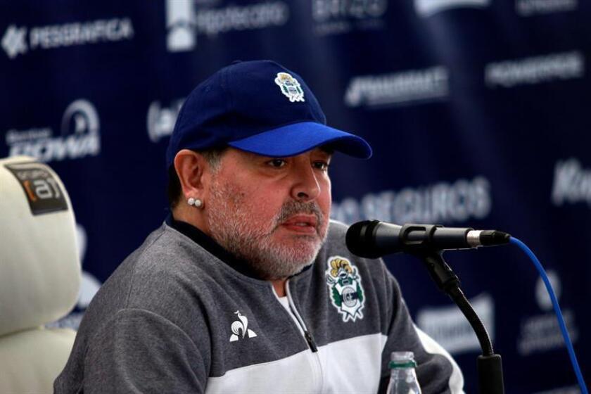 Maradona makes stumbling debut as Gimnasia coach