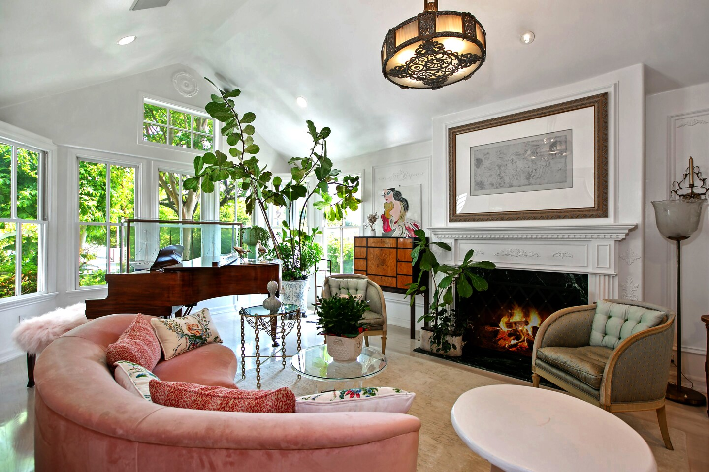 Hot Property | Kirsten Dunst sells her Toluca Lake home to actress Annie Potts