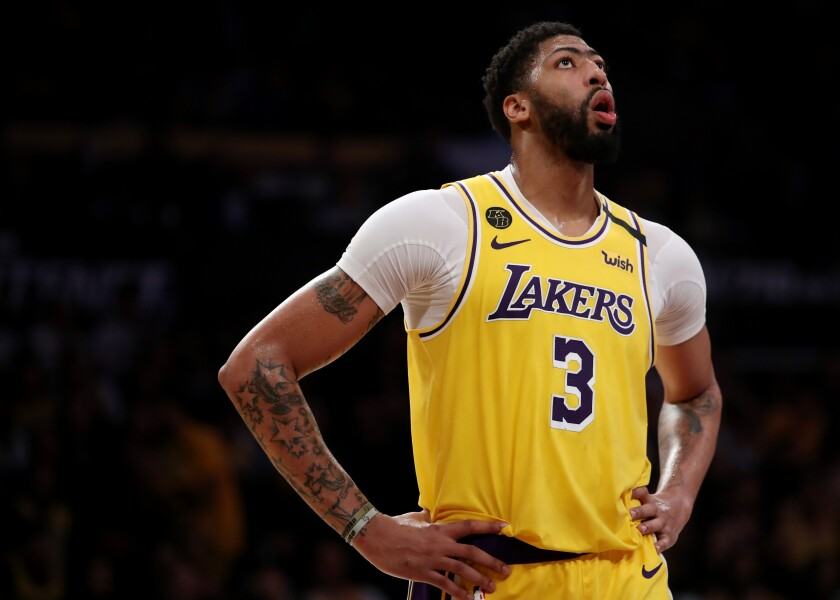 Lakers star Anthony sustained a bruised right calf during Friday's win over the Memphis Grizzlies.
