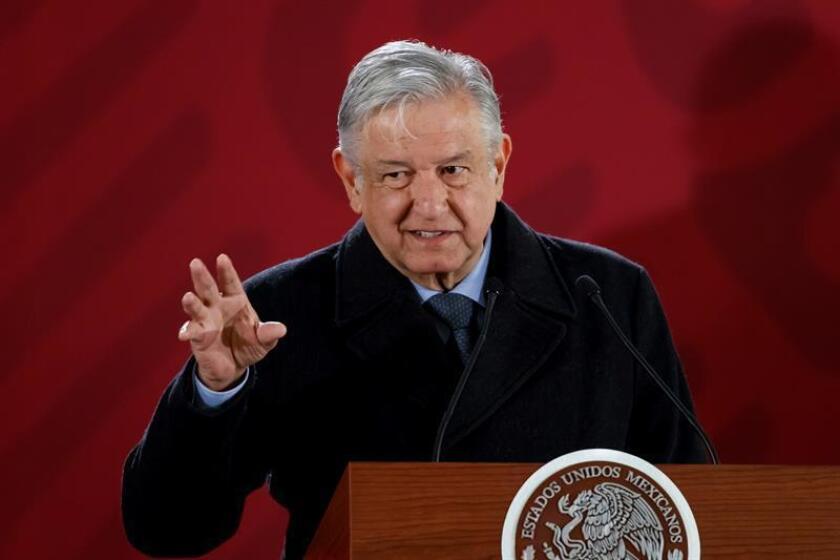 El presidente de México, Andrés Manuel López Obrador, habla en la rueda de prensa matutina en el Palacio Nacional en Ciudad de México (México). EFE/Archivo