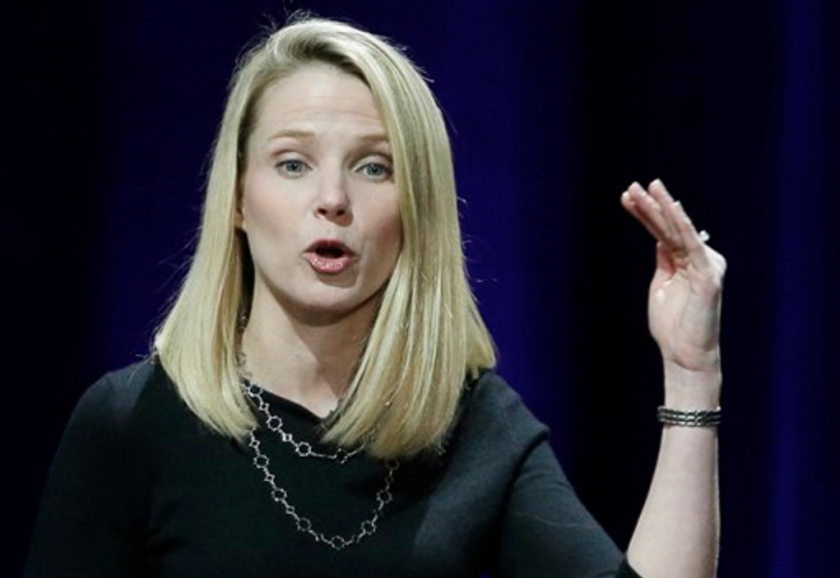 En esta imagen del 19 de febrero de 2015, la presidenta y directora general de Yahoo, Marissa Mayer, da un discurso en la primera conferencia de Desarrolladores Móviles de Yahoo en San Francisco. (AP Foto/Eric Risberg, Archivo)