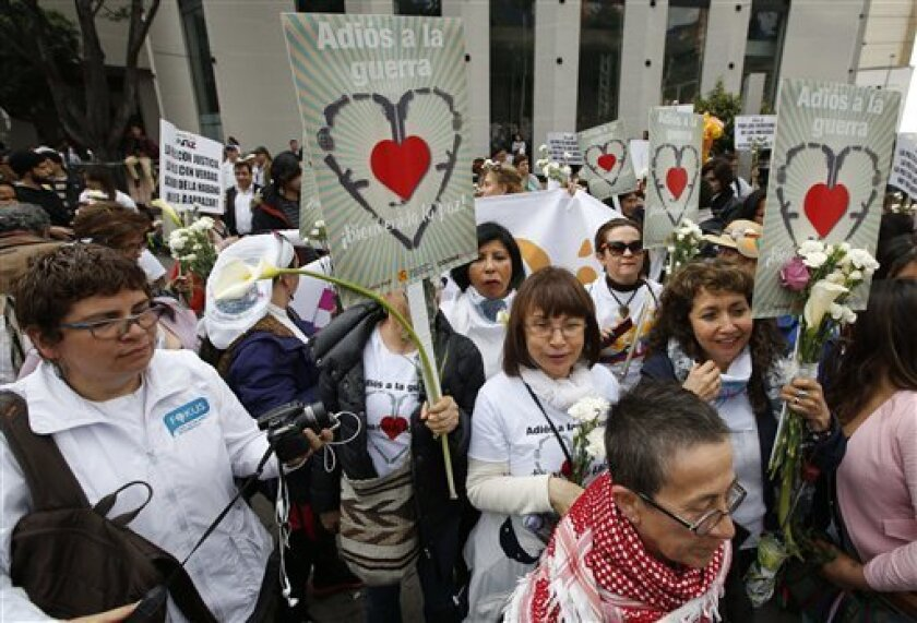 """El presidente colombiano, Juan Manuel Santos, aseguró hoy que el país clama por un nuevo acuerdo de paz y que esa es la intención de su Gobierno y también debe ser la de las FARC tras el triunfo del """"no"""" en el plebiscito del 2 de octubre."""
