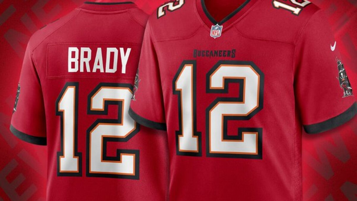 Tom Brady Boosts New Buccaneers Jerseys To Record Sales Los Angeles Times