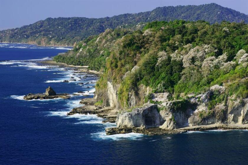 Vista aérea del Parque Nacional Coiba (isla de Coiba) en las costas del océano Pacífico de Panamá. EFE / Archivo