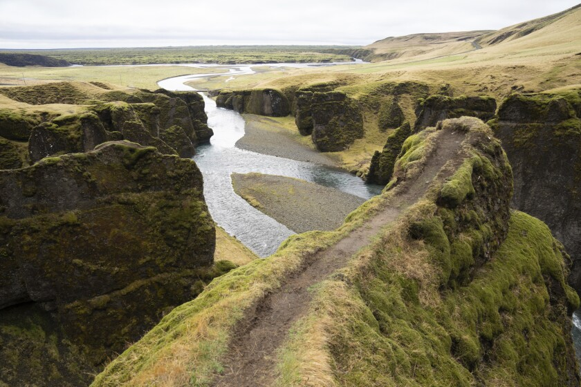 Justin Bieber visita cañon Islandés