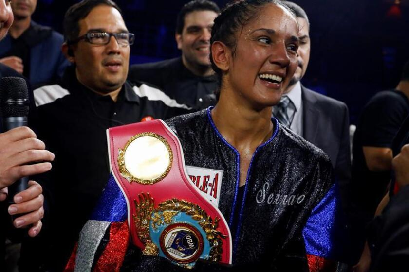Las puertorriqueñas Cindy y Amanda Serrano podrían convertirse en las primeras hermanas en ser campeonas mundiales simultáneamente en el boxeo femenino el próximo 10 de diciembre, en caso de que la primera derrote a la colombiana Calixta Silgado en la disputa por el título mundial vacante de la Organización Mundial de Boxeo (OMB) en la categoría de 126 libras. EFE/ARCHIVO