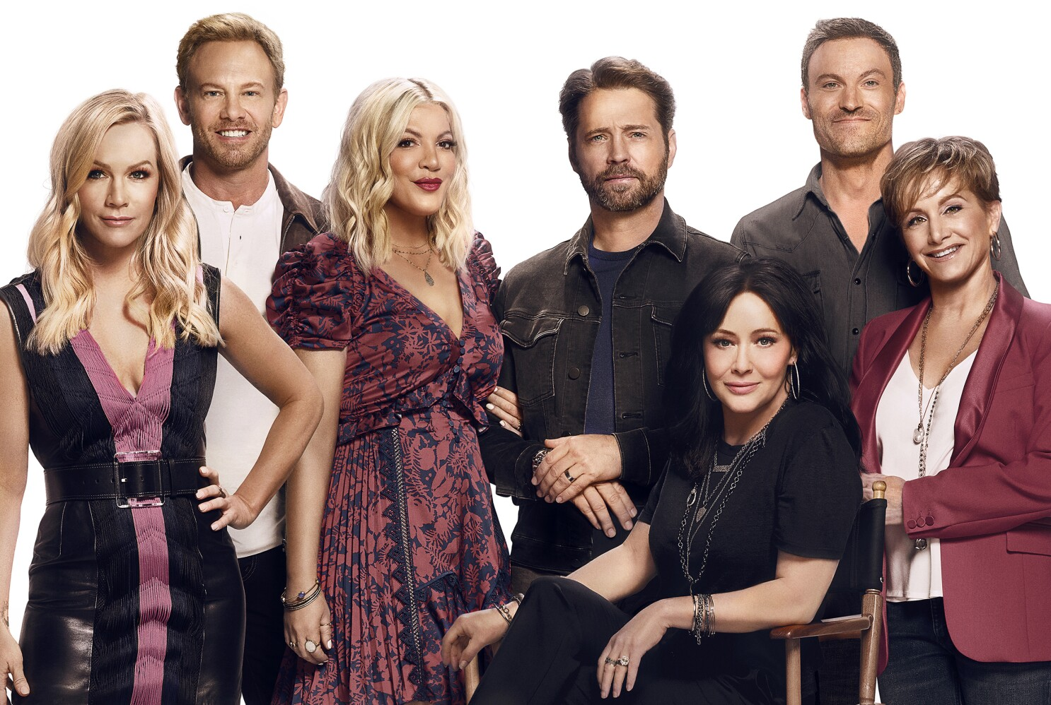 Bh90210 Cast Explains Why The New 90210 Isn T A Typical Reboot Los Angeles Times