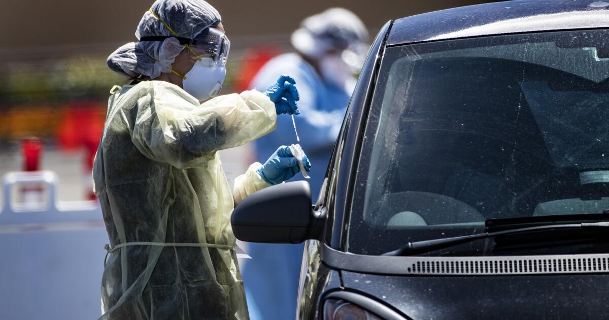 Riverside County membuka ketiga coronavirus drive-melalui pengujian situs