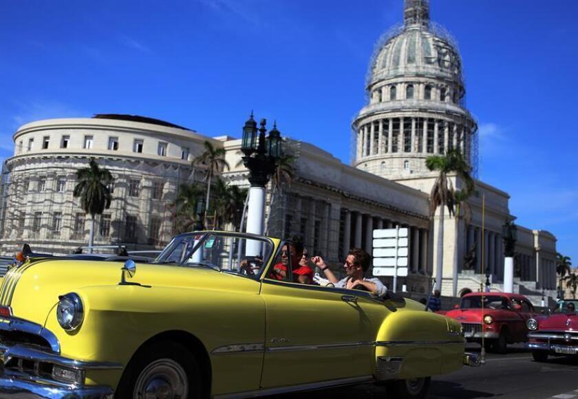 Estados Unidos acusó hoy a Cuba de saber cómo ocurrieron los supuestos ataques al personal de su embajada en La Habana y no decírselo, mientras admitió por primera vez que no tiene certeza de que se tratara de agresiones acústicas. EFE/ARCHIVO