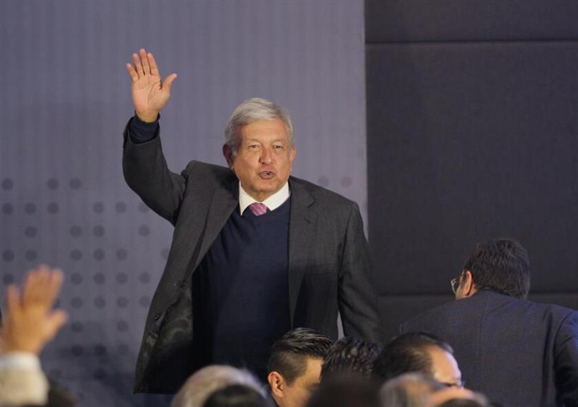 """El presidente electo de México, Andrés Manuel López Obrador, anunció hoy la formación de un consejo asesor empresarial formado por prominentes empresarios que ayudará a su gobierno a lograr """"el progreso con justicia"""". EFE/ARCHIVO"""