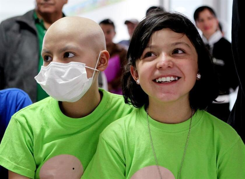 Cerca de 15.000 personas menores de 20 años son diagnosticadas con cáncer en Estados Unidos cada año, un indicador que varía en función del lugar de residencia, de acuerdo con un reporte que abarca de 2003 a 2014 divulgado hoy por los Centros de Control y Prevención de Enfermedades (CDC). EFE/ARCHIVO