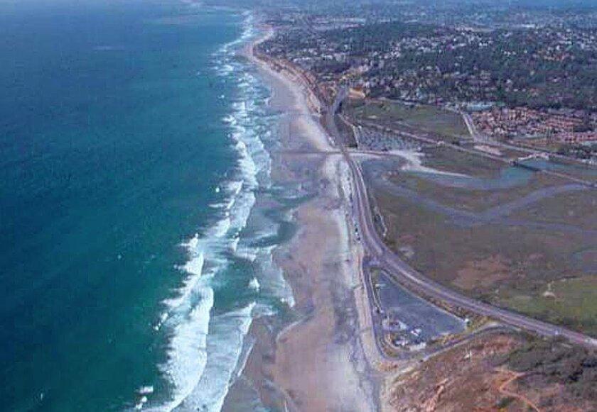 Picture 1:Torrey Pines Beach in April 2001, pre nourishment