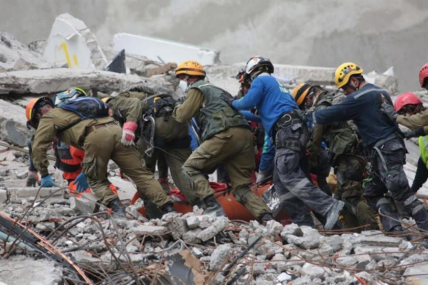 Detienen a dos responsables de un edificio dañado por terremoto en México