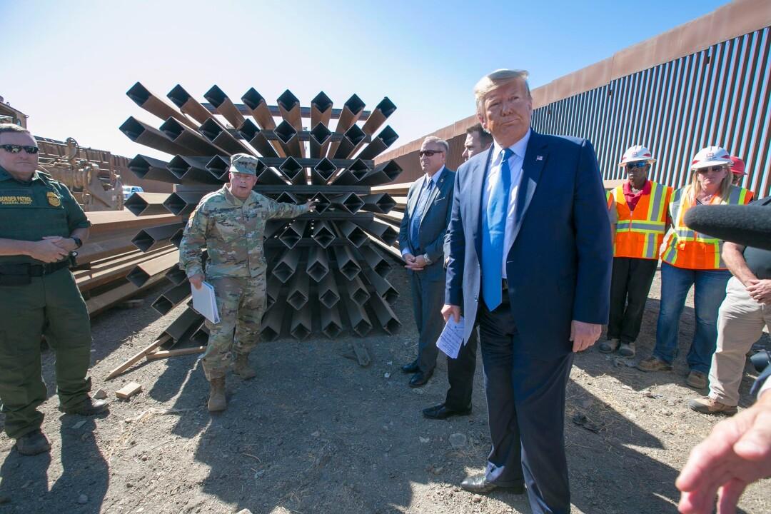 Trump border wall visit