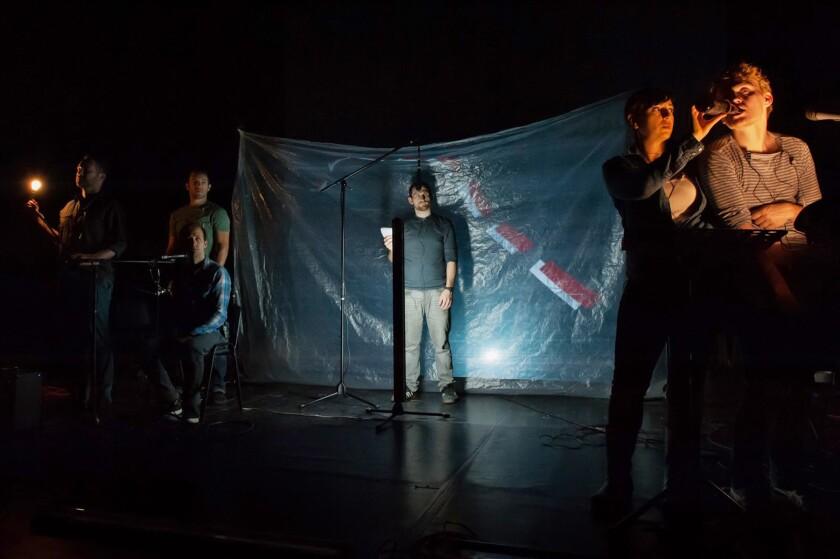 """Una escena de la obra """"Juárez: A Documentary Mythology"""", que se presenta en LATC desde el 27 de octubre hasta el 13 de noviembre."""