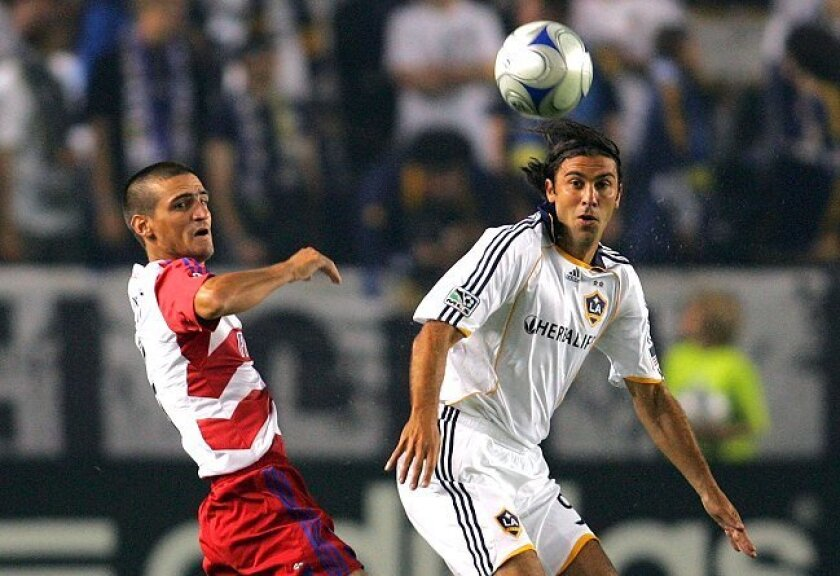 Jovan Kirovsky (in white) is a reserve for the Los Angeles Galaxy.