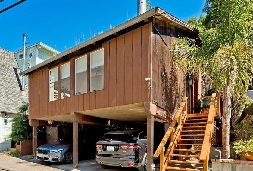 9830 Yoakum Dr., Beverly Hills, 90210