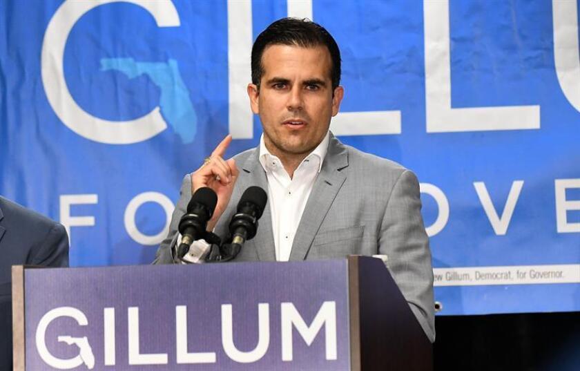 El gobernador de Puerto Rico, Ricardo Rosselló, dijo hoy sentirse orgulloso de apoyar al demócrata Bill Nelson como aspirante a la silla del senado federal por estado de Florida, en detrimento del republicano Rick Scott, quien es al actual titular del cargo. EFE/ARCHIVO