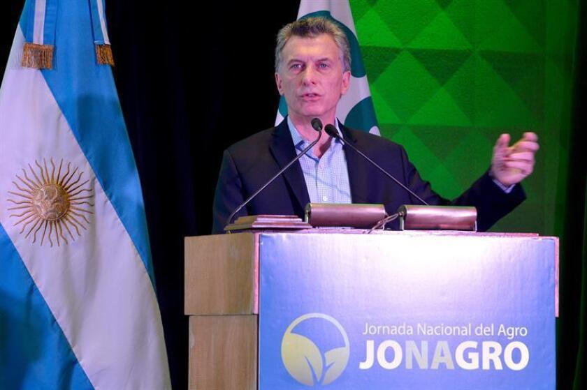 """El presidente de Argentina, Mauricio Macri, aseguró hoy que aquellos que a diario ve """"enojados"""" y queriendo """"pelear"""", pueden """"estar equivocados"""", ya que si """"la mayoría"""" del país decidió """"un cambio en democracia"""" es porque hay un mejor futuro y el camino """"no es agredir y confrontar""""."""