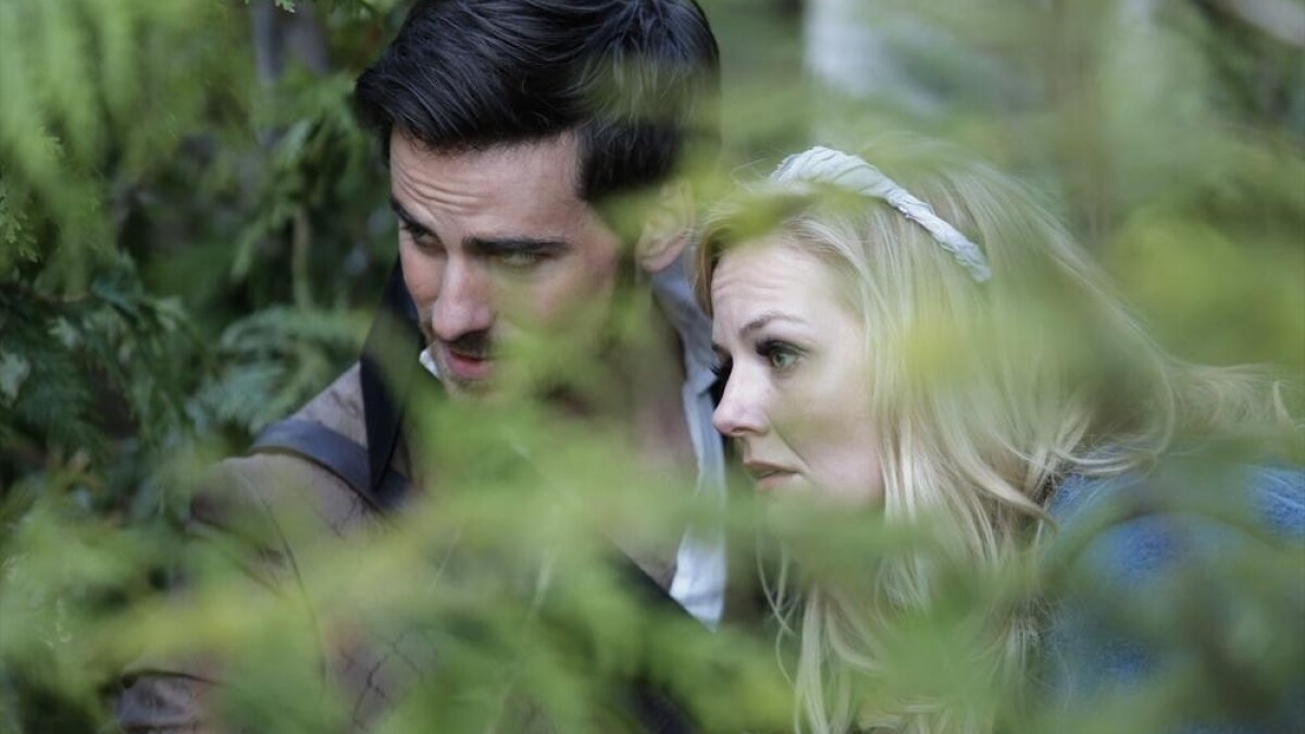Once Upon A Time Finale Recap Emma Finds Her Place In The Past