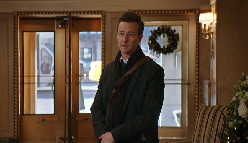 """El actor estadounidense Edward Norton durante una escena de """"Collateral Beauty"""", una cinta que se desarrolla durante la época navideña para plantear una historia de tragedia y esperanza."""