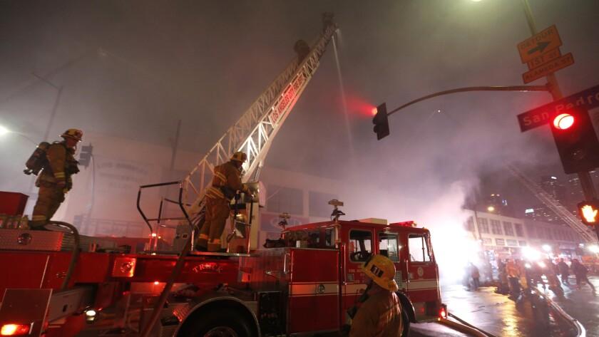 Firefighters battle blaze in downtown L.A.