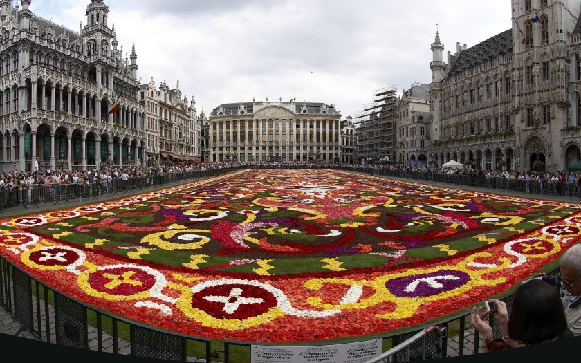 The 2008 flower carpet design in Brussels was inspired by 18th century French tapestries.