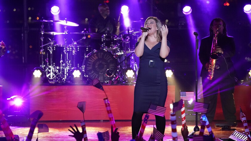 Kelly Clarkson Macy's Fourth of July Fireworks Spectacular 2018