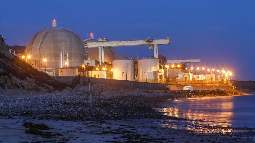 A canister filled with radioactive fuel got wedged as it was being lowered into a storage cavity at the San Onofre Nuclear Generating Station earlier this month.