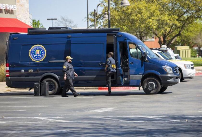 El FBI busca ayuda para dar con doce fugitivos que pueden estar en México