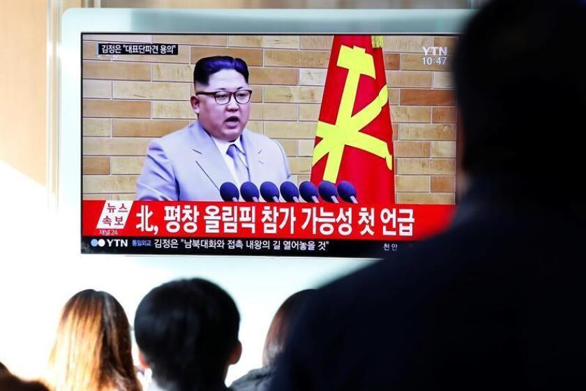 Corea del Norte mantuvo su tradicional retórica bélica contra EEUU en medios oficiales, pese a la invitación de Kim Jong-un para celebrar una cumbre con Donald Trump, un hecho que hasta ahora ningún medio estatal ha mencionado.EFE/Archivo