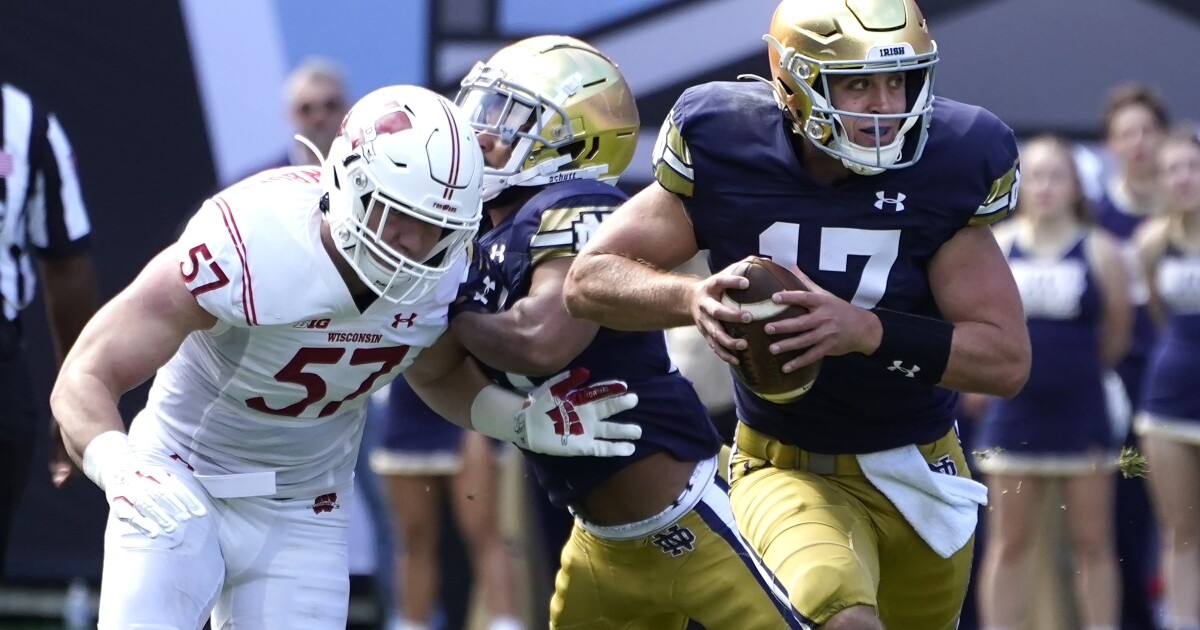 College football: Notre Dame rallies to beat Wisconsin in a rout