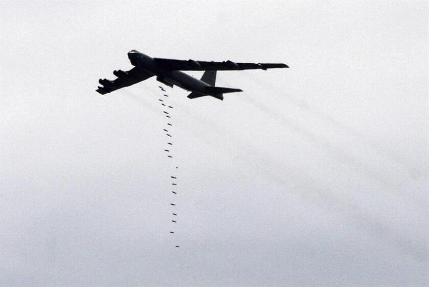 El Ejército de Estados Unidos, en una acción coordinada con las autoridades locales, efectuó este lunes dos ataques aéreos contra combatientes del grupo terrorista Al Shabab en Somalia, en los cuales fueron abatidos 37 presuntos yihadistas, informó hoy el mando militar para África (Africom). EFE/Archivo