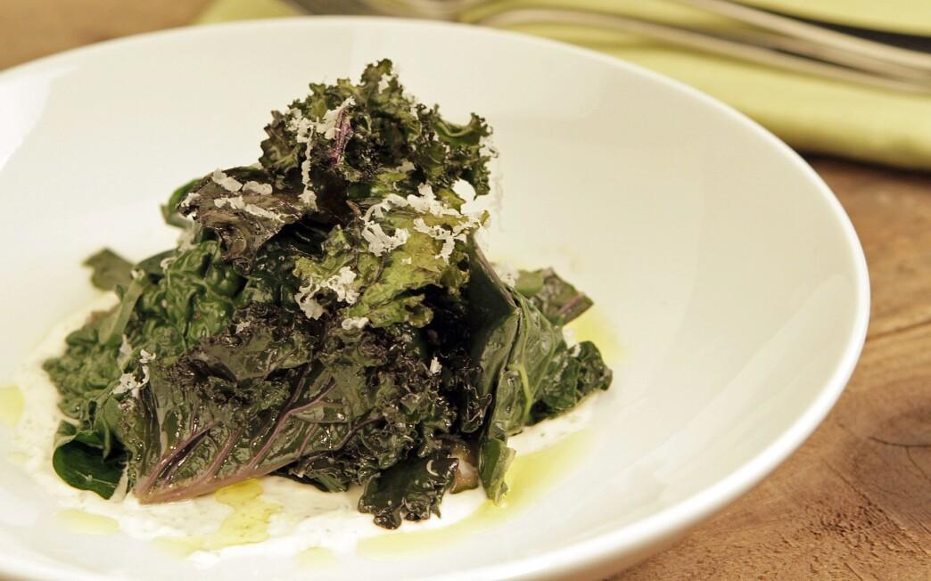 Braised kale with Garrotxa snow