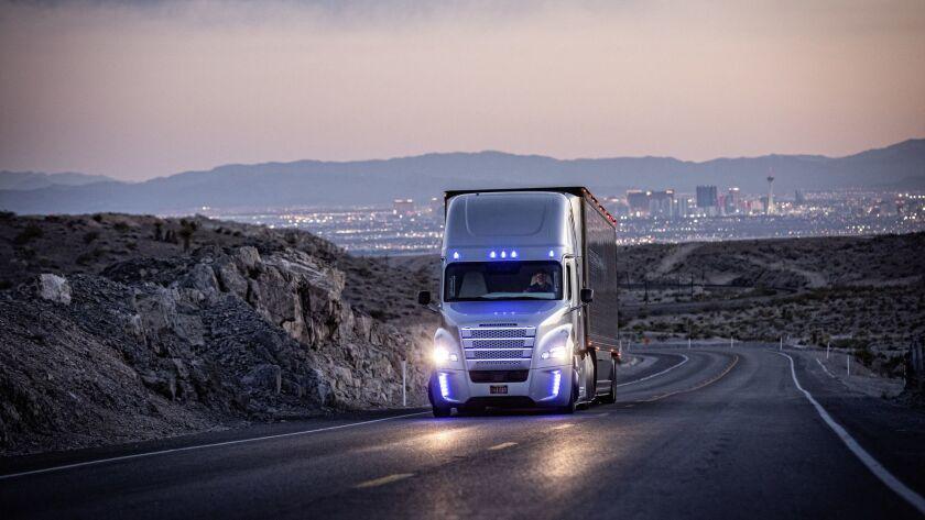 Freightliner Inspiration Truck mit Highway Pilot-