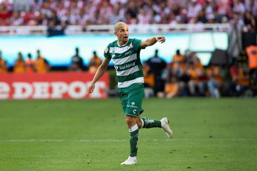 Matheus Doria de Santos celebra una anotación ante Chivas, el domingo 12 de agosto de 2018, durante el partido de cuarta jornada del torneo apertura 2018 de la liga de fútbol mexicano, celebrado en el estadio Akron de de la ciudad de Guadalajara (México). EFE/Archivo