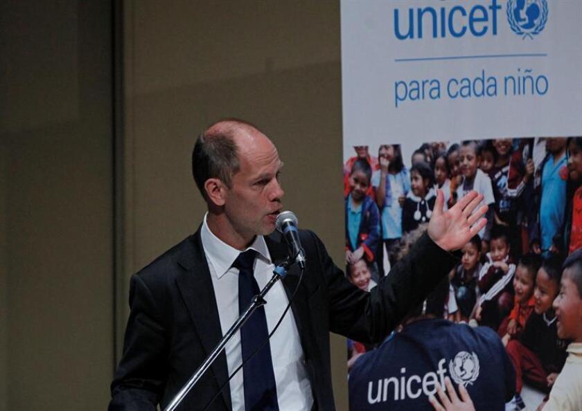 El representante de UNICEF en México, Christian Skoog, habla hoy, lunes 13 febrero de 2017, durante la conferencia de prensa del Fondo de las Naciones Unidas para la Infancia (Unicef) en Ciudad de México (México). Cerca de dos de cada diez niños mexicanos de entre 3 y 5 años no presentan un desarrollo adecuado para su edad, reveló hoy una encuesta de Unicef en la que, no obstante, se subrayan los progresos del país en ámbitos como obesidad infantil, lactancia y salud materna. EFE