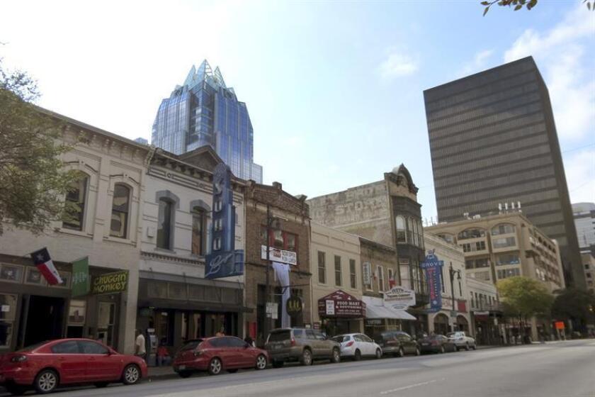 Vista general de la Calle Sexta en Austin (Estados Unidos). EFE/Archivo