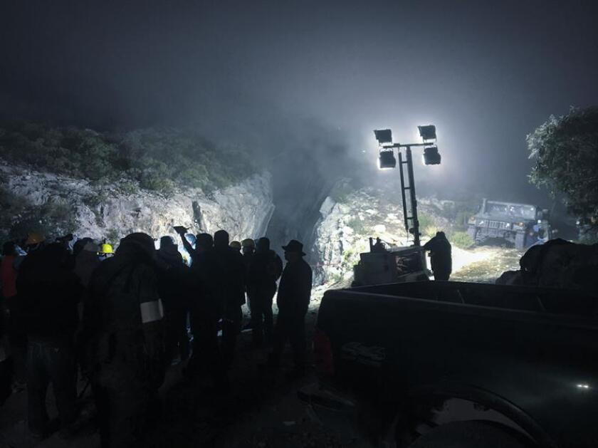 El número de personas fallecidas por el derrumbe de una mina en el céntrico estado mexicano de Hildago se elevó a cinco, informó hoy el Gobernador de la entidad, Omar Fayad. EFE