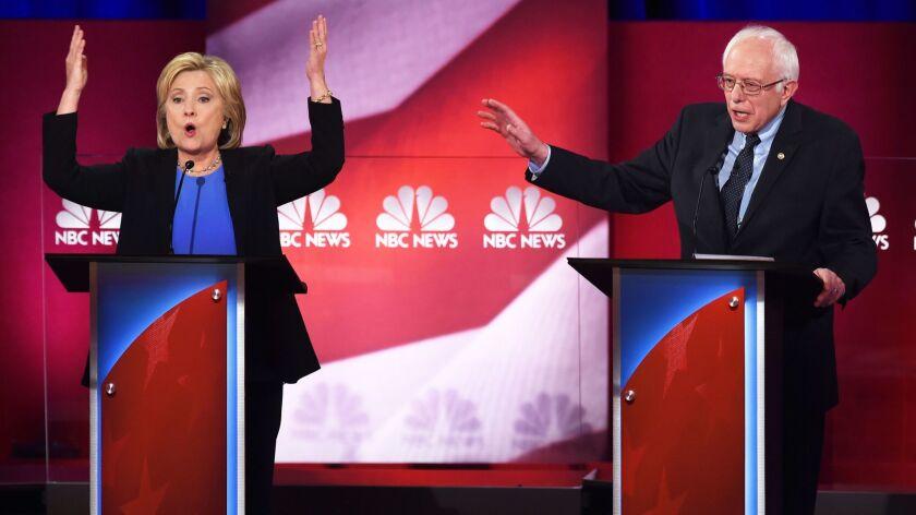 TOPSHOT-US-VOTE-DEMOCRATS-DEBATE