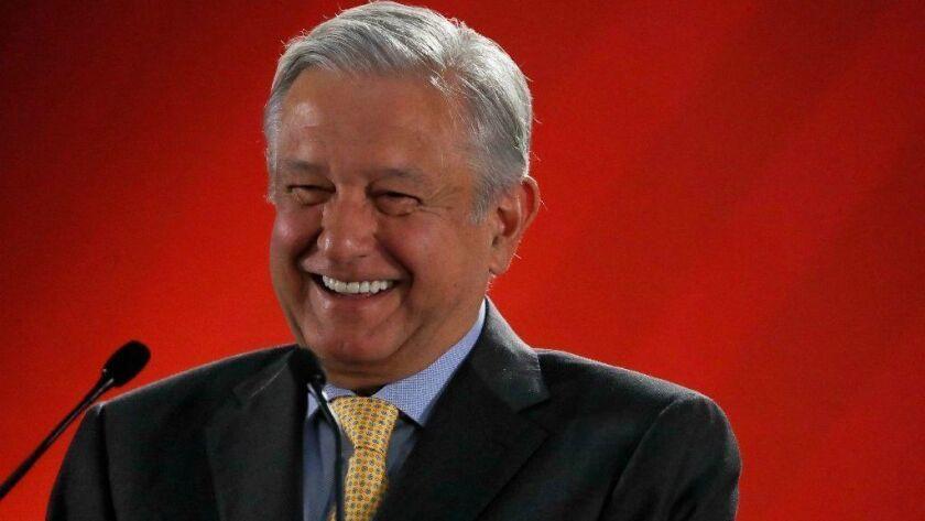 En esta fotografía del viernes 8 de marzo de 2019, el presidente Andrés Manuel López Obrador habla con la prensa en su conferencia de prensa matutina en el Palacio Nacional de Ciudad de México. (AP Foto/Marco Ugarte) ** Usable by HOY, ELSENT and SD Only **