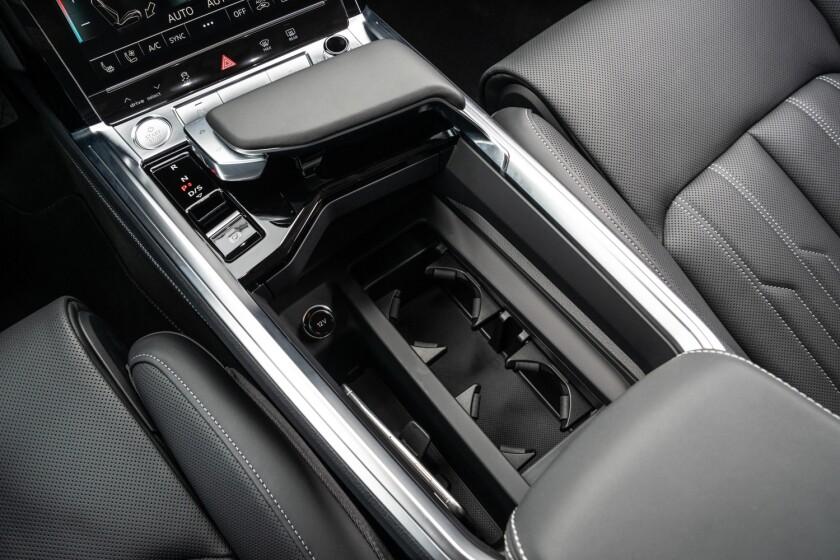 Audi-e-tron-CenterConsole.jpg