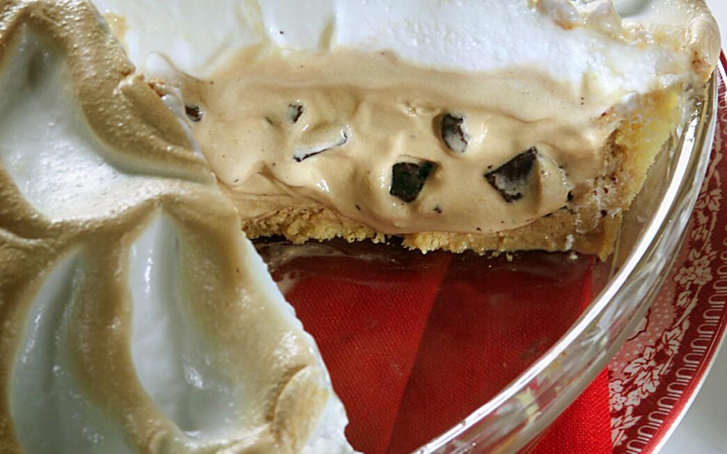 Baked Alaska Coffee Ice Cream Pie