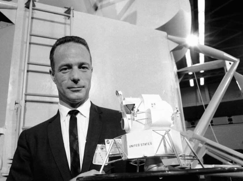 'Right Stuff' astronaut Scott Carpenter dies