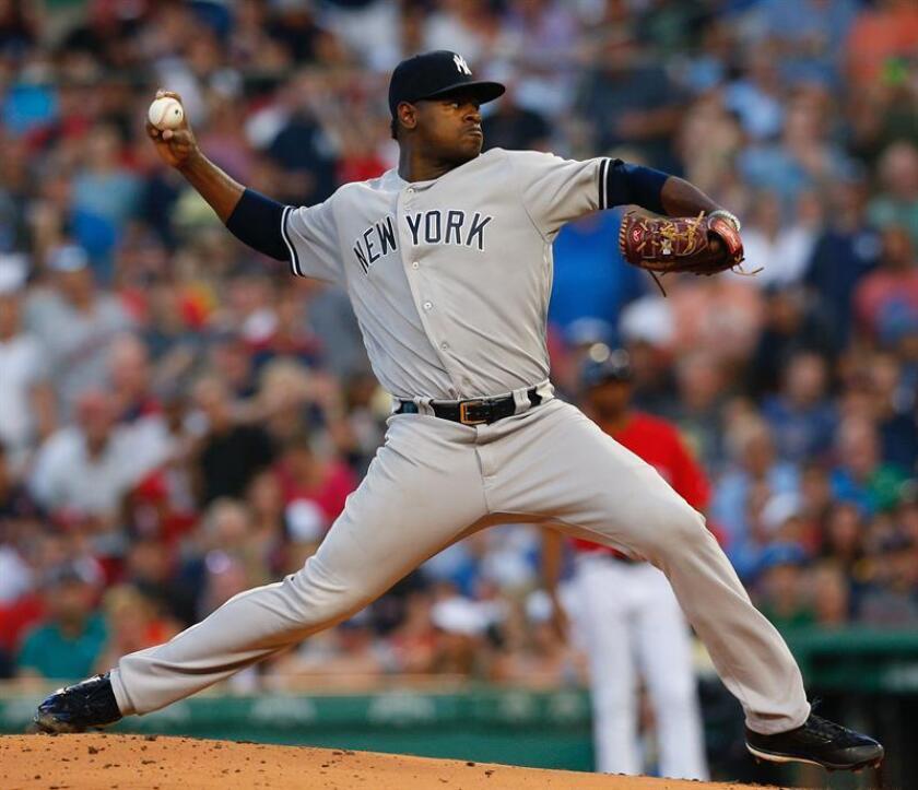 Luis Severino lanza una bola durante el partido entre los New York Yankees y los Boston Red Sox. EFE/Archivo