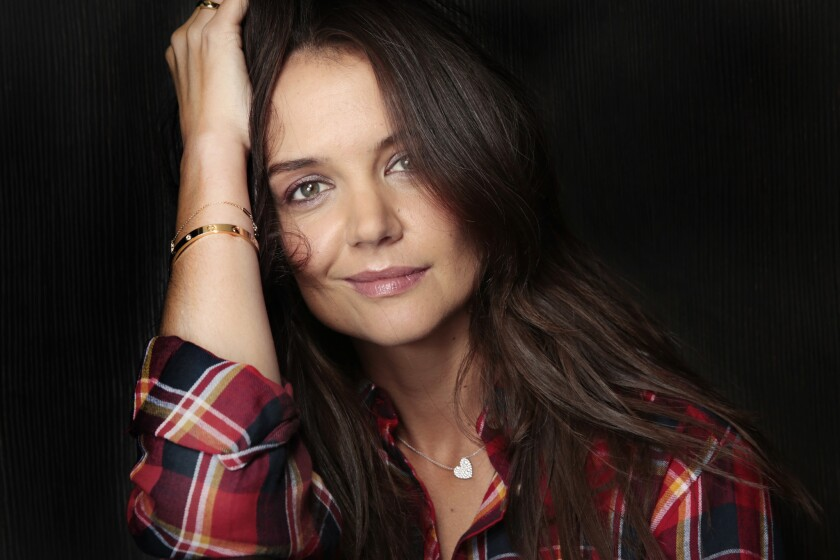 Katie Holmes lists Calabasas home for sale at $4.625 million