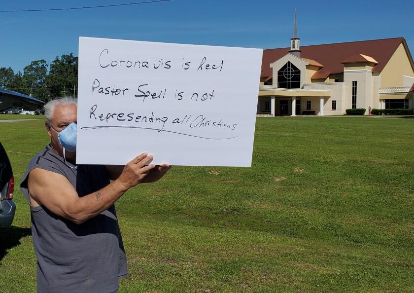 la-na-col1-coronavirus-pastor-protester.08.JPG