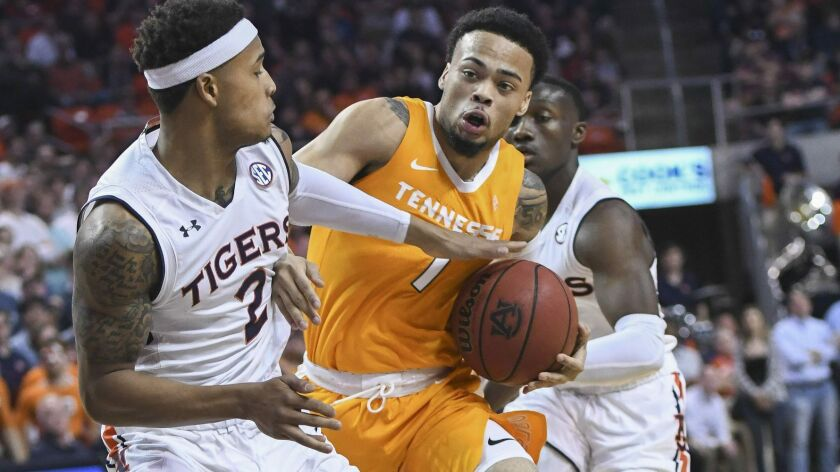 College Basketball No 5 Tennessee Falls To Auburn Seton