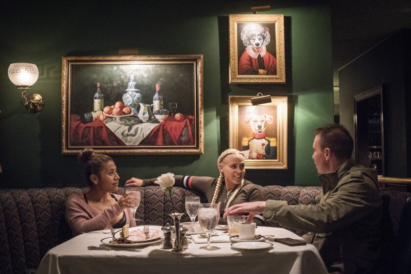 The Night Shift At The Pacific Dining Car Is Full Of Glitter Ghosts And Blueberry Pancakes Los Angeles Times